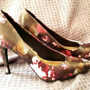 🏵3 for $30🏵 Floral Size 7 4 inch stiletto heels